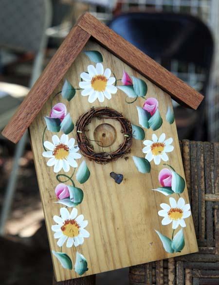 Yello Daisy painted bird house craft