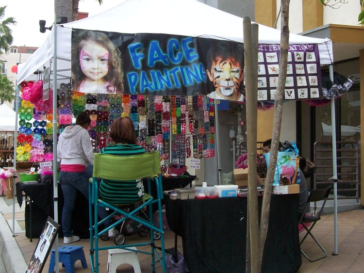 Face painting for the kiddies.